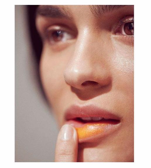 Stick labbra: istruzioni per un uso alternativo