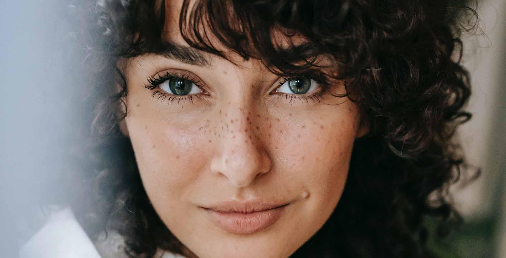 Contorno occhi: i cosmetici di nuova generazione per uno sguardo più fresco, più a lungo